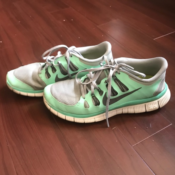 Nike Free Run 5.0 Women's Color Light Green Sz 9.5
